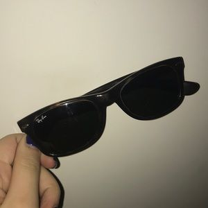 New Wayfarer Classic Ray-Ban Sunglasses
